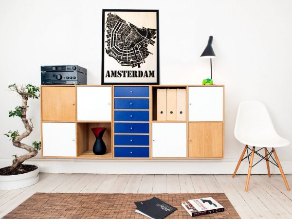 Elegant wall decorations and wooden city maps - SANDPIPERY